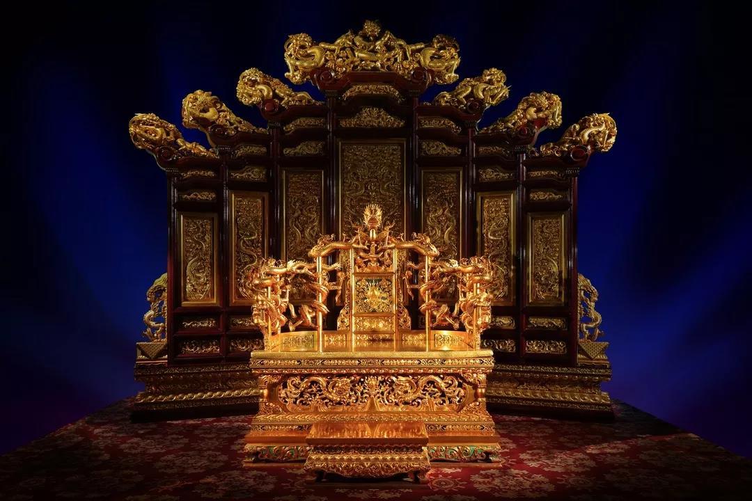 故宫木雕菩萨像
