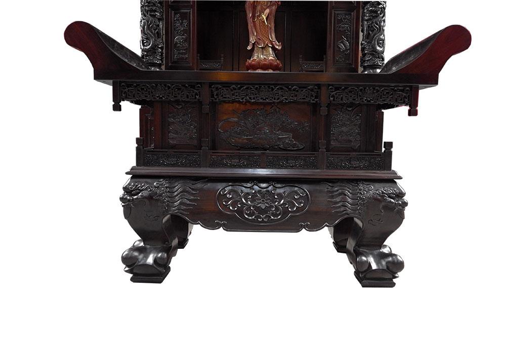 """工艺美术大师设计制作的""""祥龙瑞凤""""佛龛,一反传统建筑模式的宫殿式龛图片"""